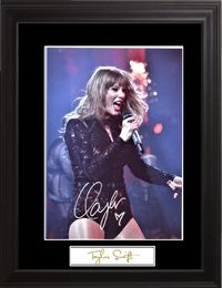 Taylor Swift Autographed Photo - Zion Graphic Collectibles